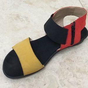 Sesto Meucci tricolor sandals